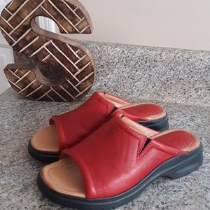 ARIAT BRIDGEPORT SANDALS RED LEATHER SIZE 6.5 B